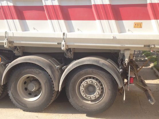 Camion-8x4-braquage-court-(20-Tonnes)